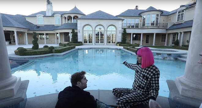 Jeffree's new pool will soon be turned pink