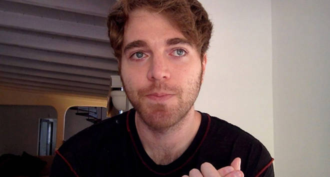"Shane Dawson quits beauty community and slams ""two-faced"" beauty gurus"