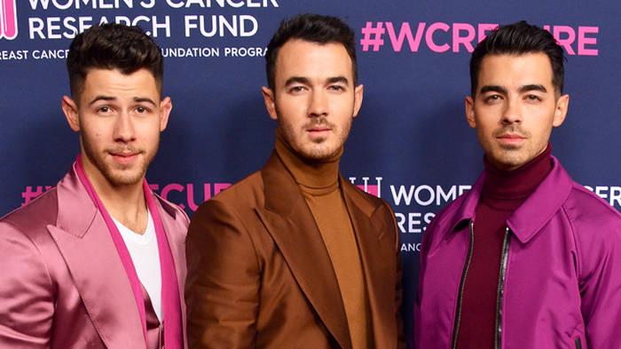 Jonas brothers dating quiz disadvantage of online dating