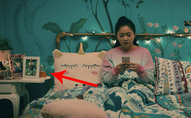 To All the Boys 3: Peter's snow globe can be seen in Lara Jean's bedroom