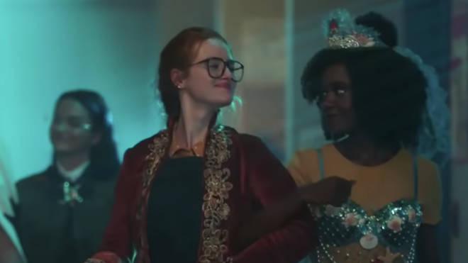 Madelaine Petsch and Ashleigh Murray as young Penelope and Sierra