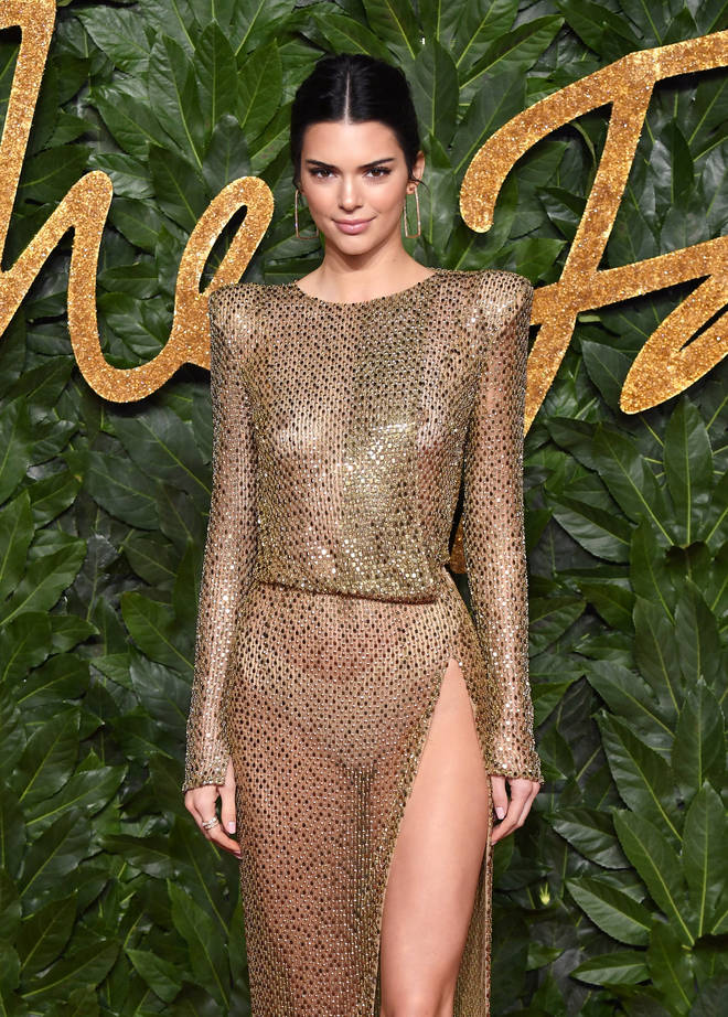 Kendall Jenner arrives at The Fashion Awards 2018.