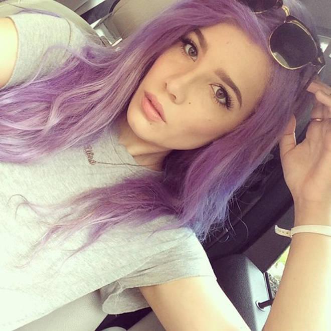 Halsey selfie