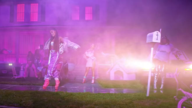 Ariana Grande's '7 rings' video: letter box