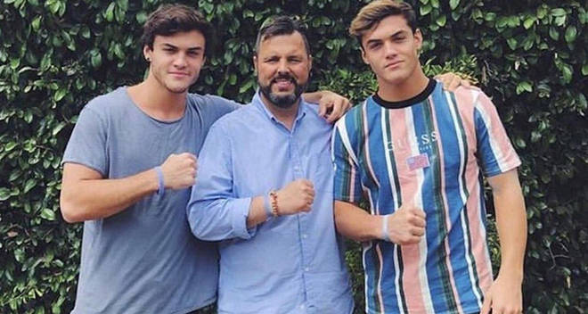 dolan twins dad funeral fans