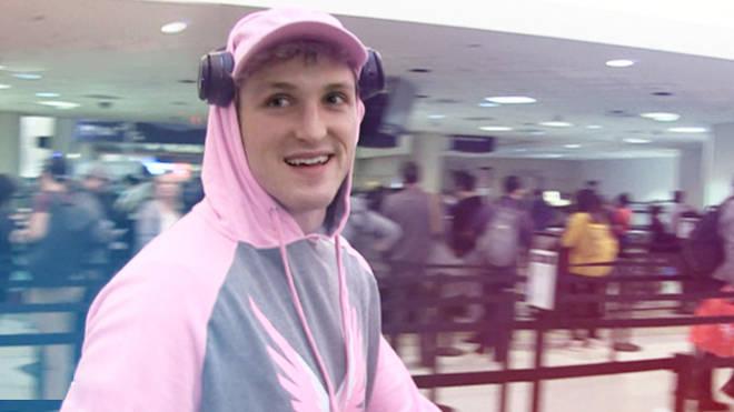 Logan Paul at LAX airport