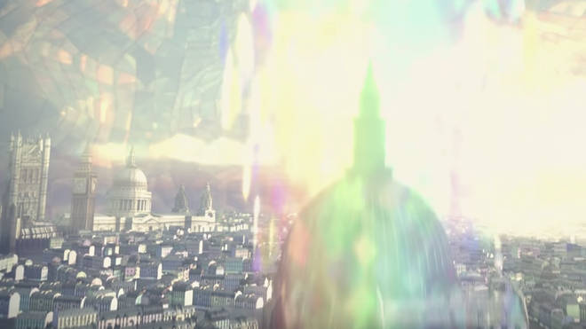 Shots of famous London Landmarks can be seen in Taylor's new video