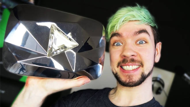 youtubers diamond play button